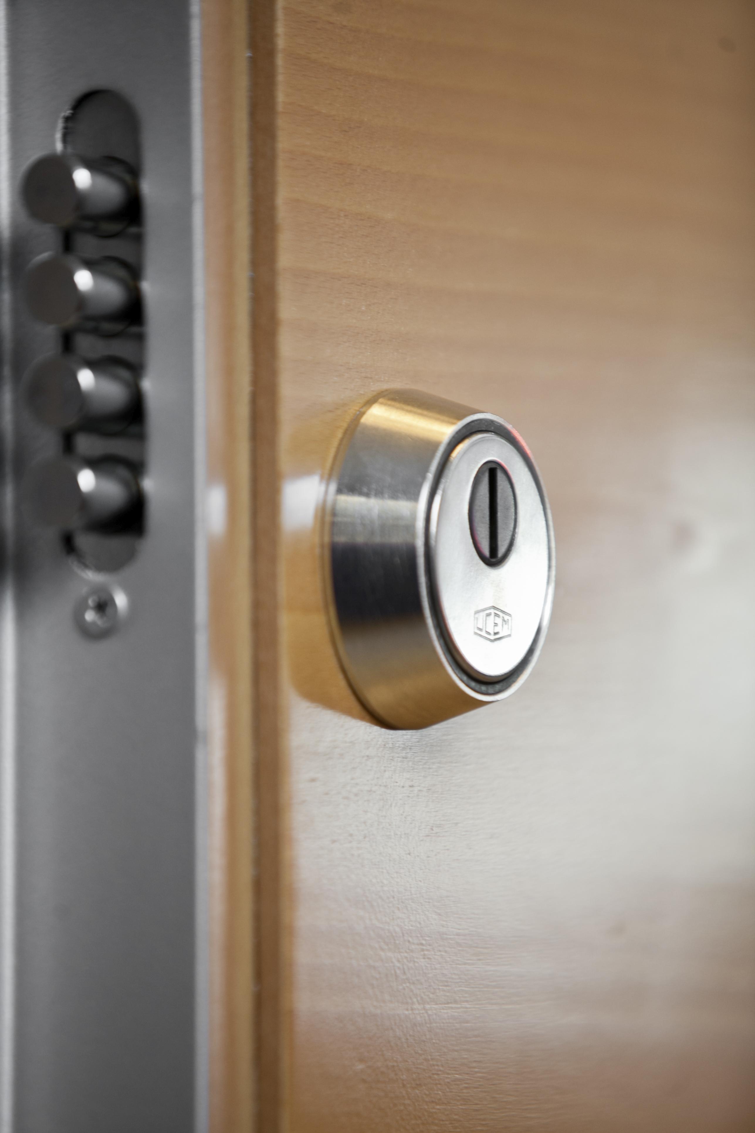 Puerta acorazada precio 709 euros roconsa - Precio puerta seguridad ...